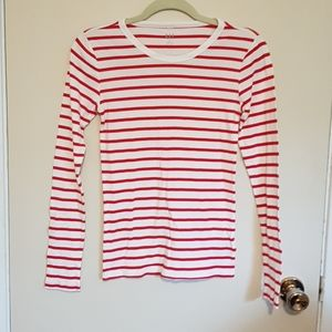 GAP classic red and white striped long sleeve tee